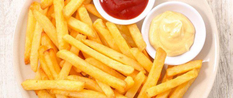 حيلة مدهشة تمنع امتصاص البطاطا للزيت أثناء قليها