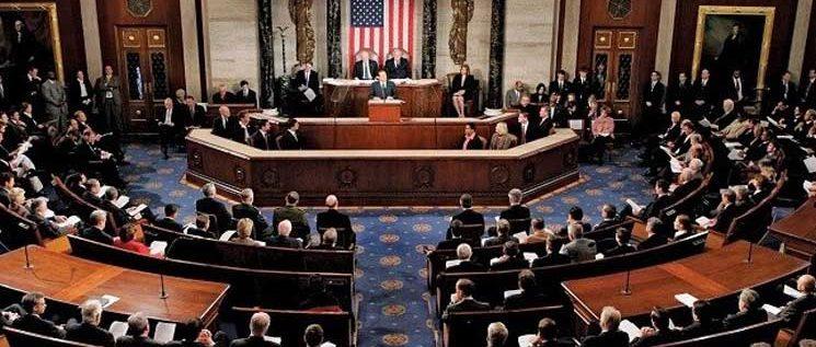 أعضاء مجلس الشيوخ الأميركي يقدمون مشروع قانون حول فرض عقوبات جديدة ضد روسيا