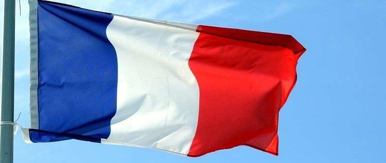 """باريس تعتبر لقاء دي مايو مع السترات الصفراء """"استفزازا جديدا غير مقبول"""""""