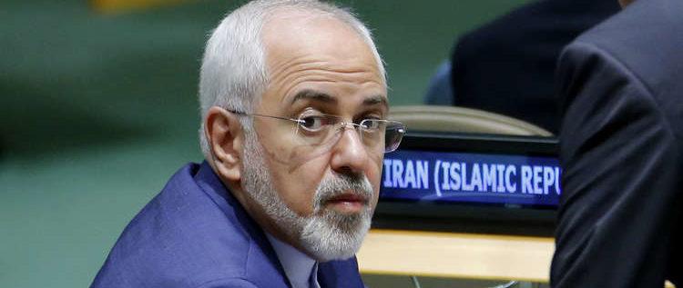 "نائب إيراني: ظريف ""مخترق أمنيا"""