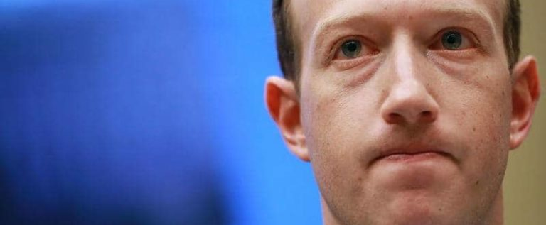 """فيسبوك ترتكب """"خطأ تاريخيا"""" بحق مؤسسها"""