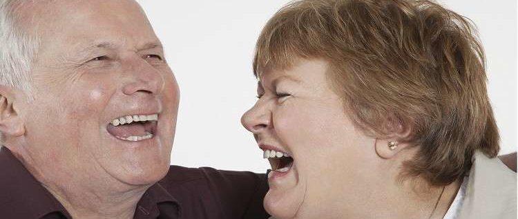 الضحك يساعد في اطالة العمر