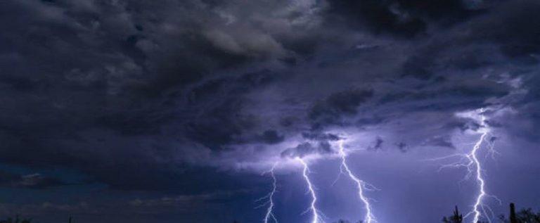 العلماء يفكون لغزا محيرا عن البرق