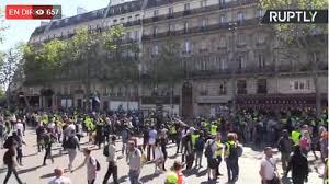 """فرنسا.. ارتفاع حدة الاشتباكات بين محتجي """"السترات الصفراء"""" والشرطة في تظاهرات """"السبت الأسود"""""""