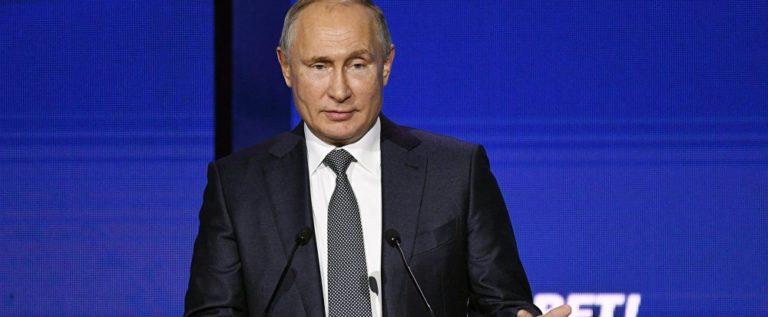 بوتين لا يستبعد تنفيذ عمليات في إدلب السورية لكنه يرى أن الوقت الآن غير مناسب بسبب الوضع الإنساني