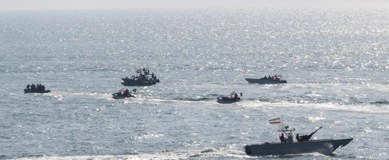 """مسؤول لـ""""CNN"""": سفن إيرانية أطلقت صاروخا على """"درون"""" أمريكي خلال اقترابها من ناقلتي النفط"""