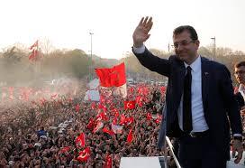 """أوغلو عمدة لاسطنبول بعد انتخابات """"مثيرة"""".."""