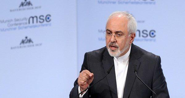 ظريف: انتشلنا اجزاء من حطام الطائرة الاميركية المسيرة من المياه الايرانية وهي انطلقت من الامارات