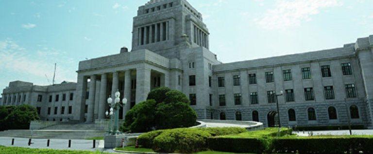 """الائتلاف الحاكم في اليابان يتصدر انتخابات """"الشيوخ"""" دون إحراز أكثرية دستورية"""