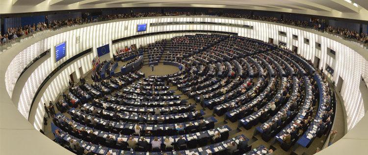 البرلمان لأوروبي يدعو لسن عقوبات إضافية ضد مسؤولين محددين في فنزويلا