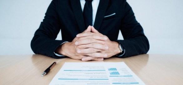كيف تجيب على الأسئلة الأكثر شيوعاً خلال مقابلات العمل؟