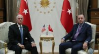 منطقة آمنة بيد الأتراك وسحب للأسلحة من الأكراد.. 13 بندا في الاتفاق التركي الأميركي بشأن سوريا