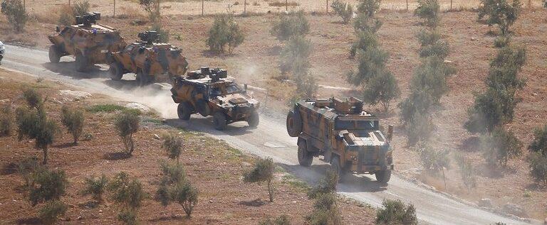 سوريا.. قتلى وجرحى في استهداف رتل عسكري تركي بسيارة مفخخة بريف حلب الشرقي