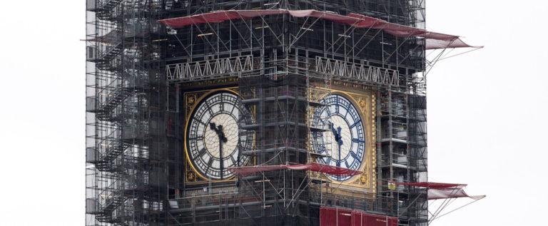 """ساعة """"بيغ بن"""" تدق من جديد في لندن مبشرة ببداية عام 2020"""