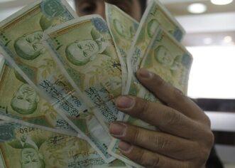 """عودة اسم """"الشوئسمو"""" بدلا عن الدولار خوفا من العقوبات في سوريا"""