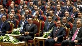 جملة تثير ضحك الرئيس المصري بشكل ملفت خلال مؤتمر دولي
