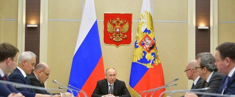 بوتين: تفشي كورونا يمس بروسيا ورئيس الحكومة يقدم لي تقارير يومية حول تطور الوضع