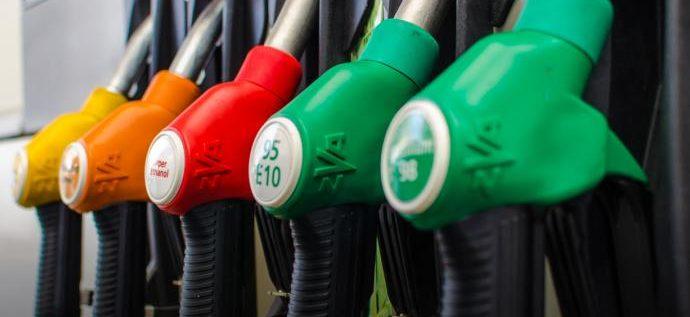 انخفاض سعر البنزين وارتفاع أسعار باقي المحروقات