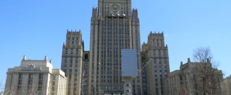 الخارجية الروسية: نؤيد وندعم دعوات الأمم المتحدة إلى هدنة عالمية في مناطق النزاع