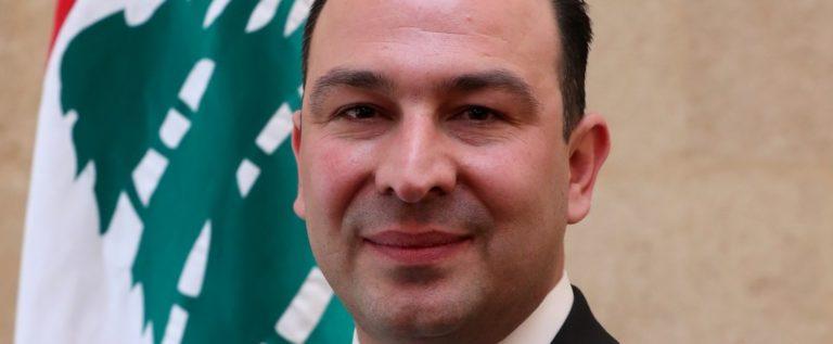 لبنان: وزير الزراعة اتفق مع التجار على تسعيرة للحليب