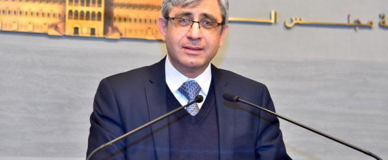 وزير التربية اللبناني أعلن إلغاء شهادتي البريفيه والفنية ما دون البكالوريا