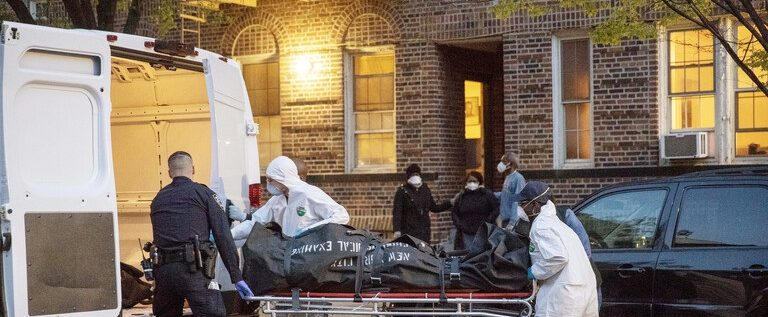 جونز هوبكنز :1237 وفاة جراء فيروس كورونا خلال 24 ساعة بالولايات المتحدة