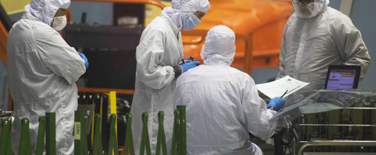 دير شبيغل: فيروس كورونا وضع أوروبا أمام أكبر اختبار والجيش الروسي أثبت نجاعته
