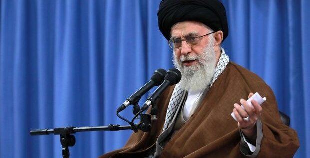 الخامنئي: ايران قادرة على تحقيق النهضة الانتاجية