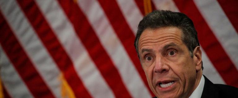 حاكم نيويورك يقترح قانونا يجبر الشركات على إعادة التوظيف مقابل دعم حكومي
