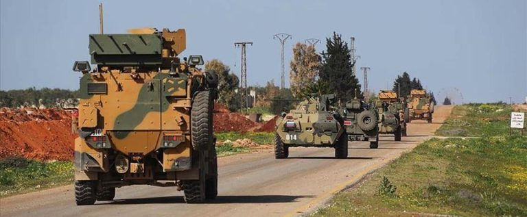 """تركيا وروسيا تسيران الدورية المشتركة الـ14 على طريق """"إم 4"""" شمال غرب سوريا"""
