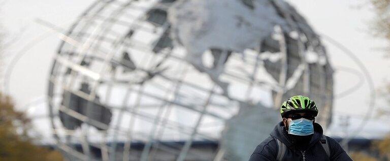 """""""جونز هوبكنز"""": قفزة جديدة للإصابات اليومية بكورونا في العالم"""
