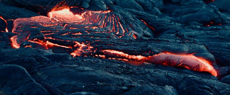 """الصين.. علماء يحذرون من بركان """"انقرض منذ 500 ألف عام""""ويعاود نشاطه!"""