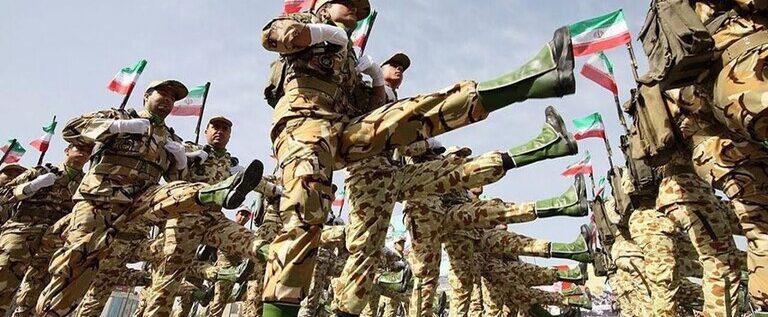 وفاة 20 عسكريا في صفوف الجيش الإيراني بكورونا