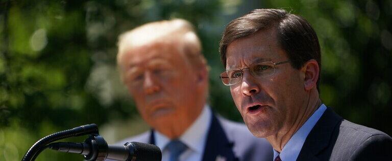 بلومبرغ: ترامب قد يقيل وزير الدفاع بعد الانتخابات