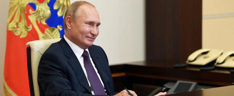 بوتين يكشف عن حالة ابنته الصحية بعد خضوعها للقاح كورونا