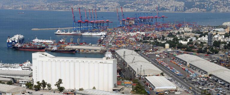 برنامج الغذاء العالمي: إمدادات الحبوب لا تزال تتدفق إلى مرفأ بيروت رغم الانفجار