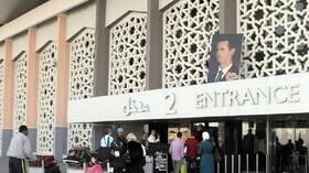 السلطات السورية تكشف عن مصير المواطن الذي لا يملك 100$ لتصريفها على الحدود