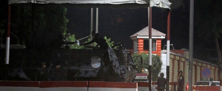 مصر.. مقتل 3 رجال أمن و4 من المحكوم عليهم بالإعدام أثناء محاولة هروب من سجن طرة