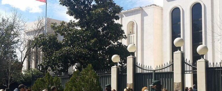 """السفارة الروسية بمدريد تسخر من التقارير عن """"التدخل الروسي"""" باستفتاء كتالونيا"""