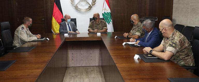 توقيع بروتوكول لإعادة إعمار قاعدة بيروت البحرية