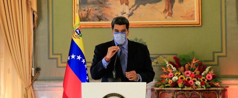 مادورو يعلن عن هجوم جديد على مصنع بتروكيماويات في فنزويلا