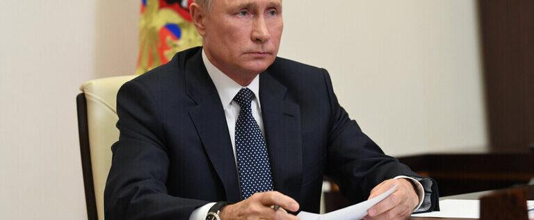 بوتين: وضع انتشار فيروس كورونا في روسيا يستقر تدريجيا مع تراجع وتيرة الإصابات اليومية