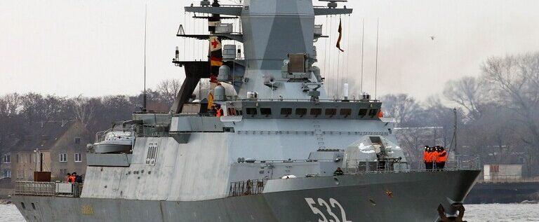 روسيا تعدّل إحدى أشهر سفنها الحربية