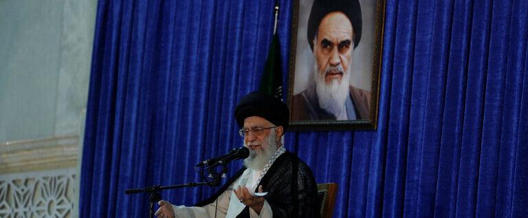 خامنئي: لن يستطيع أحد منع إيران من تطوير سلاح نووي لكنها لا تسعى لامتلاكه