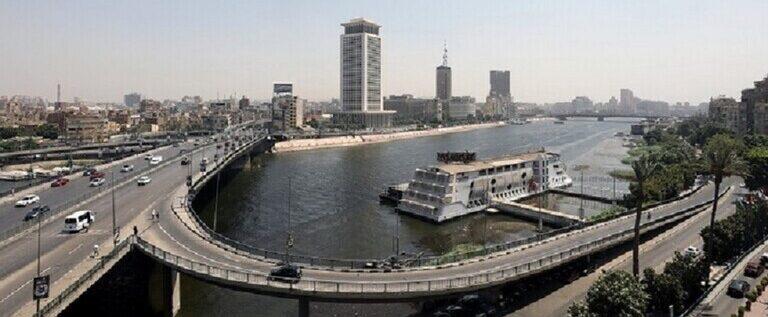 مواطن مصري يوجه رسالة أخيرة لزوجته قبل انتحاره من أعلى جسر الجامعة