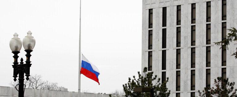 أمريكيون يعتذرون للسفارة الروسية عن تصريحات بايدن