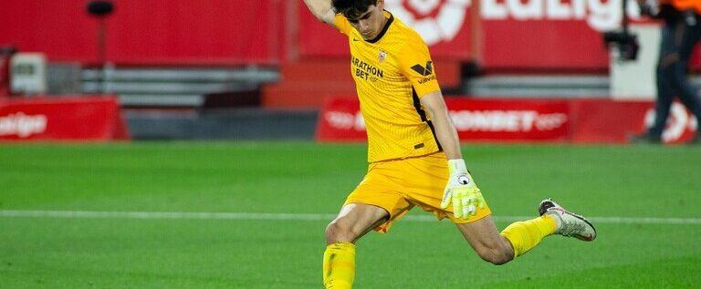 شاهد.. حارس المرمى المغربي بونو يسجل هدفا في الوقت القاتل!