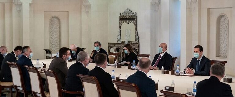 الأسد يلتقي مبعوث بوتين في دمشق.. تكثيف العمل لتخفيف آثار العقوبات على سوريا