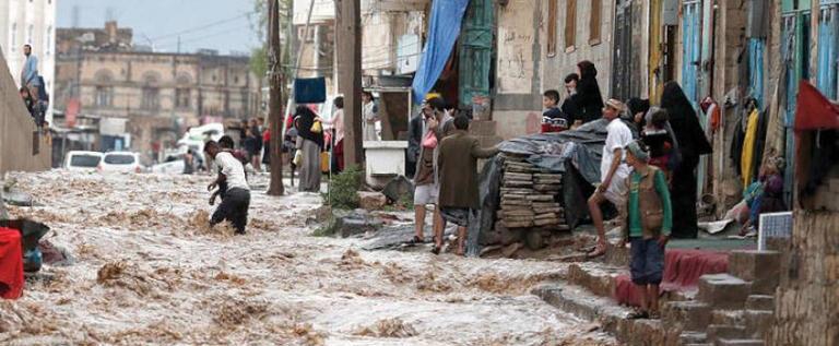 تضرر آلاف العائلات في اليمن  جراء الأمطار والفيضانات