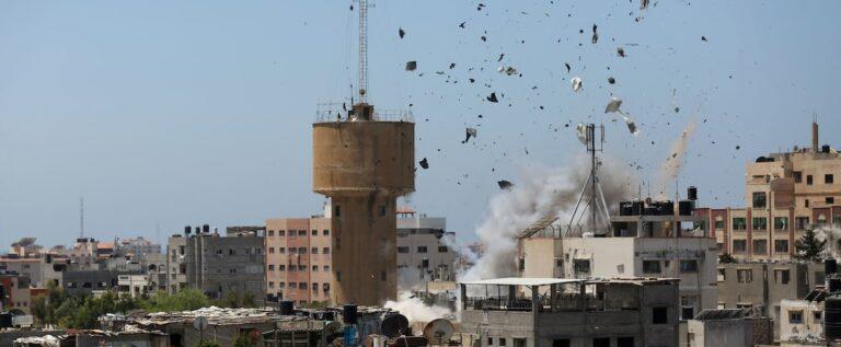 18 شهيدا وعشرات الاصابات بينهم مفقودون في العدوان على غزة في أول أيام العيد